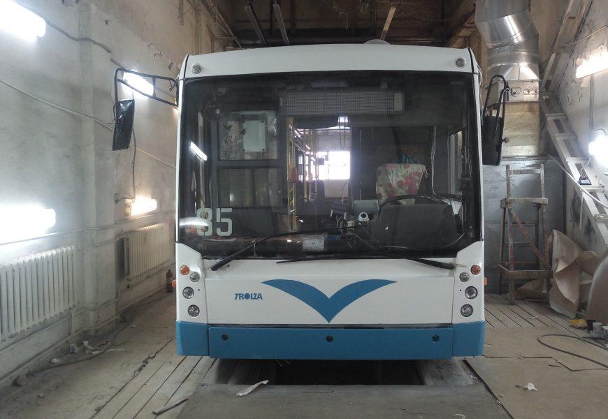 Ремонт и покраска троллейбусов в трамвайном парке